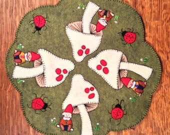 Gnome Sweet Gnome, hand sewing, wool felt applique, table cover, penny rug, PDF sewing pattern