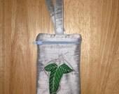 Wrist LOTR Elf Leaf zipper cellphone pouch - Lord of the Rings - wristlet purse