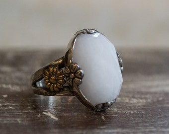 White agate stone ring, Silver gold ring, oval gemstone ring, Gypsy Ring, statement ring, hippie ring, flower prong ring - Four leaves R2268