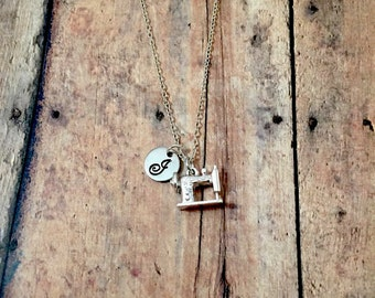 Sewing machine initial necklace - sewing jewelry, gift for seamstress, sewing machine jewelry, silver sewing machine necklace