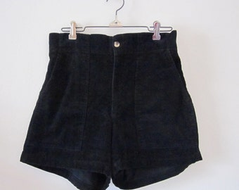 Vintage 80s 90s Black Corduroy Mid Rise Short Shorts (size 32)