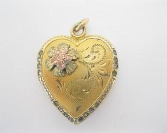SALE/ Vintage gold fill locket