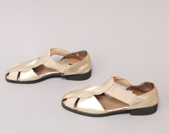 size 9 METALLIC gold bronze leather 80s 90s CUTOUT slip on STRAPPY sandals