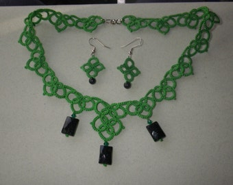 Kelly Green Tatted Necklace and earrings, green goldstone beads, tatting jewelry set, lightweight earrings