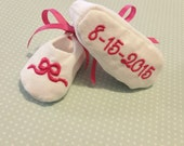 Custom personalized embroidered baby shoes with name birthdate