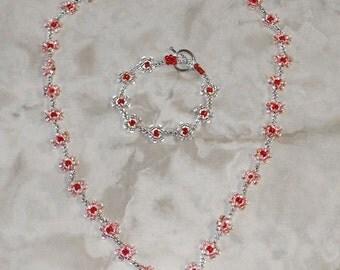 Daisy Chain Necklace and Bracelet Set