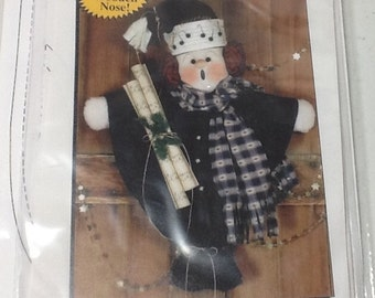 Craft Carroller Holiday Pattern uncut with button nose
