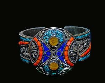 Elegant Vintage Nepali Hinged Bracelet
