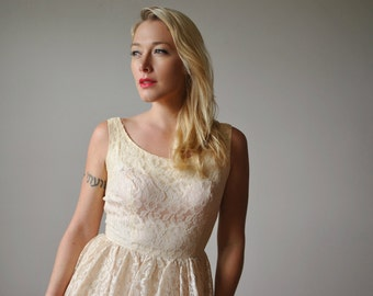 1950s Ivory Lace Party Wedding dress~Size Extra small