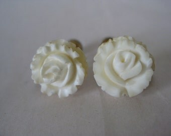 Rose Flower Earrings Screw Carved Off White Gold Vintage