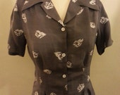 Skiiers 1940s repro short sleeve blouse with NOS 40s buttons M vintage waterskiier rayon