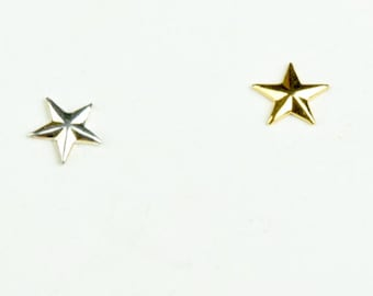 Star Charm, 7.5mm made in USA, brass plated 15129