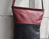 SALE - Two-tones leather handbag in black and bordeaux color medium size Cow hide leather - messenger bag - made in Montreal, Canada