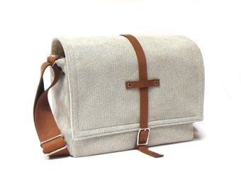 Medium camera messenger bag  - light gray herringbone