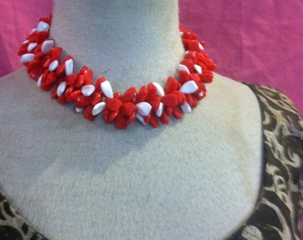 Vintage 50s Red  And White LUCITE Necklace CHUNKY CHOKER 1950s