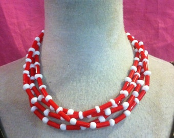 Vintage 50s Red  And White LUCITE Necklace Balls And Rods 1950s