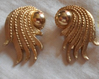 MARVELLA Gold Tone Clip On Earrings