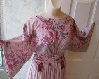 Vintage 60s 70s boho mauve flowers maxi dress, flutter sleeve pink flowers maxi dress, size 10 plum tulips flutter sleeves dress, Union tag