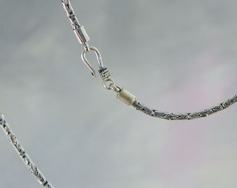 Interlocking Sterling Silver Chain, 16 Inch Length