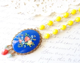 Vintage Beaded Cameo Necklace - Floral Cameo - Garden Wedding - Statement Necklace - Flower Bouquet - Shabby Chic - French Country