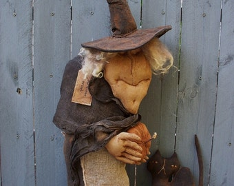 Primitive Old Crone Halloween Witch Pattern