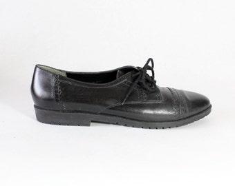 Vintage Nine West Black Leather Oxfords, size 9