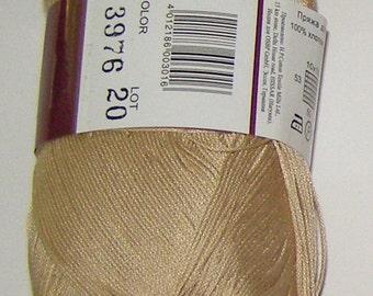 Vita Pelican crochet thread size 10, 100% mercerized cotton, 50g/360 yds, #3976 beige