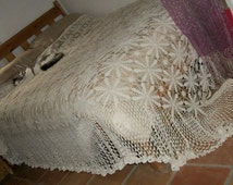 Antique 1930s Off White Lacey Crochet Bedspread Huge with Large Lacey Unusual Ruffle Hem Very Pretty Mint Cond