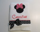 Little Girls Bath, Beach and Pool Towel, Minnie Mouse Applique, Disney Font, Hot Pink, Black and White Polka Dots, Monogram