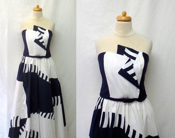 1980s Vintage Victor Costa Cotton Dress / Navy & White Abstract Strapless Dress