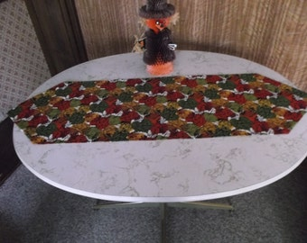 Another Fall Leaves Table Runner