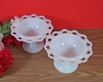 2 Milk Glass Bowls with Lace Scalloped Rim. Sherbet Bowls, Candy Dishes, Dessert Bowls. Vintage. 5008