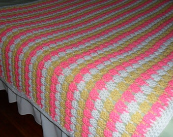 Crochet Queen Afghan - Blanket - Throw - Coverlet - Bedspread - Gift ''TIER DROP'' in Perfect Pink and White and Butter