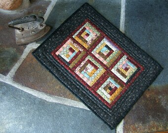 Log Cabin Miniature Quilt (Item # 40-41)
