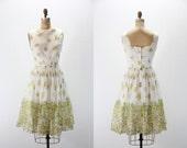 SALE 1950s Vintage Dress - Floral Border Print Sleeveless Roses Full Skirt