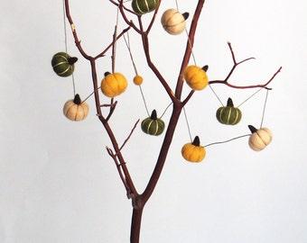 Felt Pumpkin garland : miniature needle felted pumpkins (horizontal) - persimmon orange, peach, dark forest green