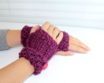 Purple Knit Fingerless Mittens, Button Cuff Arm Warmer, Purple  Wrist Warmers, Chunky Knit Fingerless Mittens, Button Cuff Fingerless Mitten