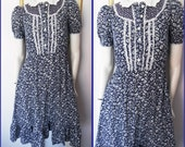 Vtg.70s does 40s Blue White Floral Calico Swing Prairie Dress.S.Bust 36.Waist 24-30.