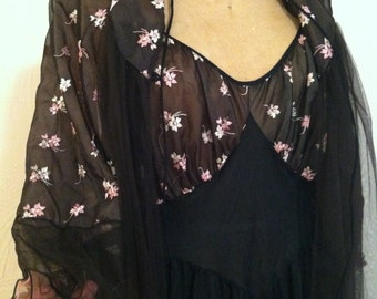 Pink Embroidered Flowers of Black Chiffon Peignoir with Nylon Gown Vintage ROGERS Set 36