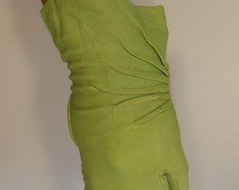 Tropical Slaps Across His Face - Vintage 1940s Lime Green Nylon Gloves - 5.5/6 Very Small