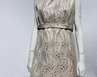 Vintage 60's BROCADE gold dress size large vintage 18 Hong Kong Mad men mid century MINT by thekaliman
