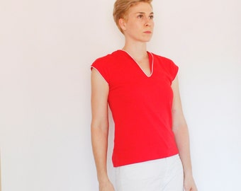 Vintage 80's jersey knit top, red with white piping / trim, dolman sleeves, v-neck, cute, casual - Small / Medium