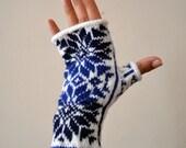 Nordic Fingerless Gloves - Wool White and Blue Fingerless Gloves - Scandinavian Gloves with Stars - Knit Fingerless Gloves nO 130.