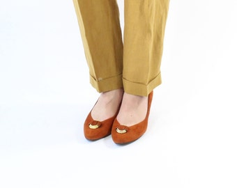 VINTAGE 1980s Burnt Orange Heels Suede Pumps Size 8.5