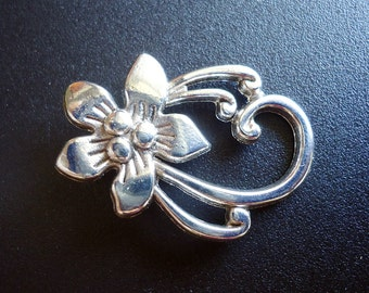 Large Flower Toggle Clasps - Set of 10 - Antique Silver