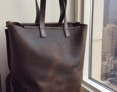Utopia tote, handmade leather tote, leather shoulder bag, brown leather handbag, handmade leather bags and totes by Aixa Sobin, bag maker