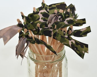 25 camouflage Grosgrain Ribbon Drink Stirrers or Stir Sticks - Green & Black, Hunting, Grooms Table