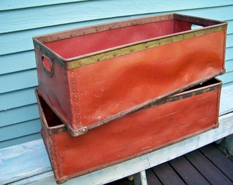 One French Textile Bin - Suroy - Red - Steel - Industrial