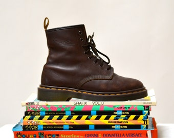 Amazing 90s Brown Dr. Martens Boots Size Women 7 7 1/2 8// Vintage Doc Marten Brown Boots Size 5 UK Made in England