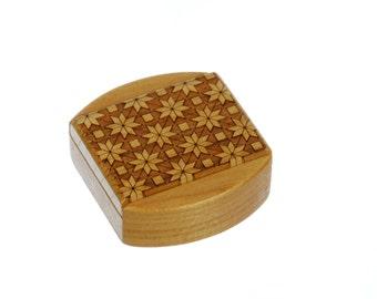 Quilt Patterned Sliding Lid Storage Box, Solid Cherry, Mini Box Pattern Ms3, Paul Szewc